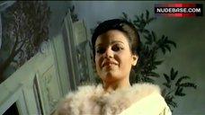 8. Ewa Auin Nude after Bathtub – Death Smiles On A Murderer