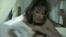 Marisa Mell Flashes Tits – The Amorous Mis-Adventures Of Casanova