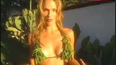 Molly Sims Posing in Sexy Bikini – Sports Illustrated: Swimsuit 2002