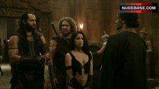 Krystal Vee in Sexy Bodysuit – The Scorpion King 3: Battle For Redemption