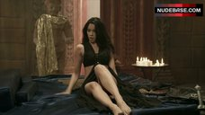 Krystal Vee Hot Scene – The Scorpion King 3: Battle For Redemption