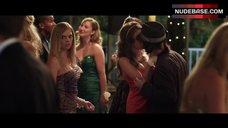 5. Dreama Walker Lesbian Kiss – Date And Switch