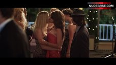 Dreama Walker Lesbian Kiss – Date And Switch