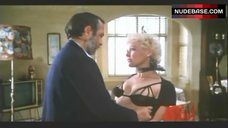 Susan Tyrrell Lingerie Scene – Tales Of Ordinary Madness