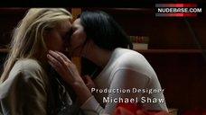 Taylor Schilling Hot Lesbian Scene – Orange Is The New Black