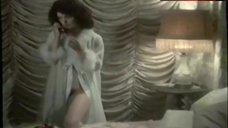 Femi Benussi Flashes Her Pussy – La Novizia