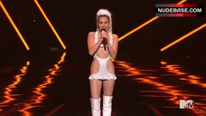 2. Miley Cyrus Sexy on Stage – Mtv Video Music Awards