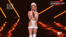 3. Miley Cyrus Sexy on Stage – Mtv Video Music Awards