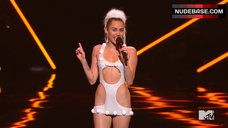 Miley Cyrus Sexy on Stage – Mtv Video Music Awards