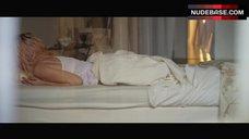 4. Ana De Armas Intimate Scene – Por Un Punado De Besos