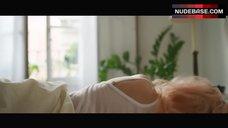 5. Ana De Armas Intimate Scene – Por Un Punado De Besos