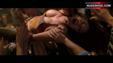 Tyra Banks Hot Dance on Bar Counter – Coyote Ugly