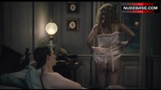 Alicia Vikander Butt Scene – The Danish Girl