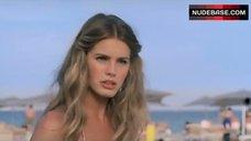 1. Vanessa Hessler Hot Bikini Scene – Natale A Miami