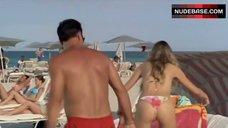 3. Vanessa Hessler Hot Bikini Scene – Natale A Miami