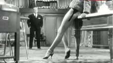 Brigitte Bardot Shows Her Perfect Legs – En Cas De Malheur