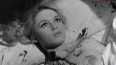 Brigitte Bardot Breasts Scene – En Cas De Malheur