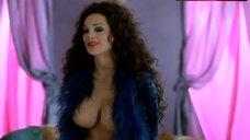 Julie Strin Topless Scene – Battle Queen 2020