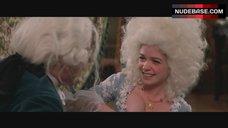 Elizabeth Berridge Cleavage – Amadeus