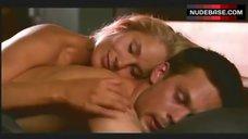 8. Laura Malmivaara Sex Scene – Levottomat