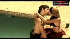 Jordana Brewster Bikini Scene – The Texas Chainsaw Massacre: The Beginning