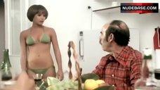 Ivonne Sentis  nackt