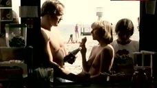 Vivi Rau Topless on Beach – Hopla Pa Sengekanten