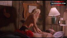Linnea Quigley Sex Scene – Pumpkinhead Ii