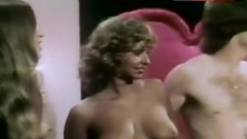 Linnea Quigley Shows Tits and Ass – Auditions