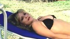 Linnea Quigley Sexuality in Bikini – Mari-Cookie And The Killer Tarantula