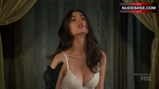 Victoria Justice Underwear Scene – The Rocky Horror Picture Show: Let'S Do The Time Warp Again