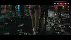 Margot Robbie Sexy Legs – Suicide Squad