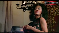 9. Marilyn Joi Flashes Nude Tits – The Kentucky Fried Movie
