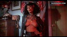 Marilyn Joi Breasts Scene – The Happy Hooker Goes To Washington
