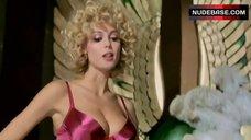 Heidi Klum Hot Lingerie Scene – Blow Dry