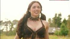 Tsianina Joelson In Hot Leather Bikini – Xena: Warrior Princess