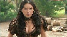 Tsianina Joelson Cleavage – Xena: Warrior Princess
