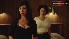Jessica Pohly Hot Scene – Pee-Wee'S Big Holiday
