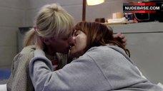 Constance Shulman Lesbian Kiss – Orange Is The New Black