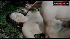 Tessie Herrasti Sex in Forest – La Marche Du Monde