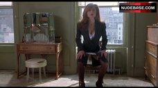 Lena Oin Hot Scene – Romeo Is Bleeding