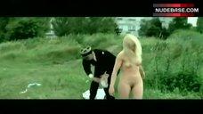 Chantal Delsaux Outdoor Nudity – C'Est La Vie