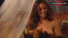 8. Kaylani Lei Striptease Full Naked for Photo Shoot – The Erotic Traveler