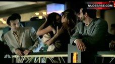 3. Nikki Cox Lesbian Kiss – Las Vegas