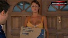 Nikki Cox Hot Scene – Las Vegas
