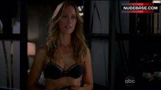 Kim Raver Hot Scene – Grey'S Anatomy
