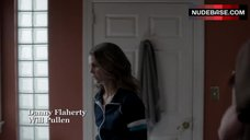 1. Keri Russell Gets in Shower – The Americans