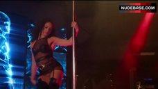 Tanairi Sade Vazquez Shows Striptease – The Blacklist