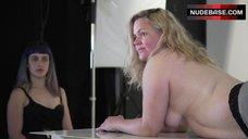 Taryn Brumfitt Topless – Embrace