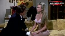 Dyan Cannon in Pink Lingerie – Bob & Carol & Ted & Alice